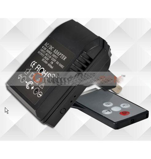 Camera spion cu Night Vision cu detector de miscare in incarcator universal